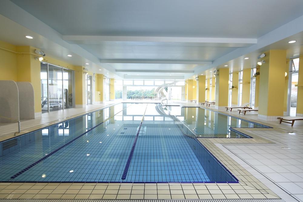 오키나와 매리어트 리조트 앤드 스파(Okinawa Marriott Resort & Spa) Hotel Image 89 - Exercise/Lap Pool