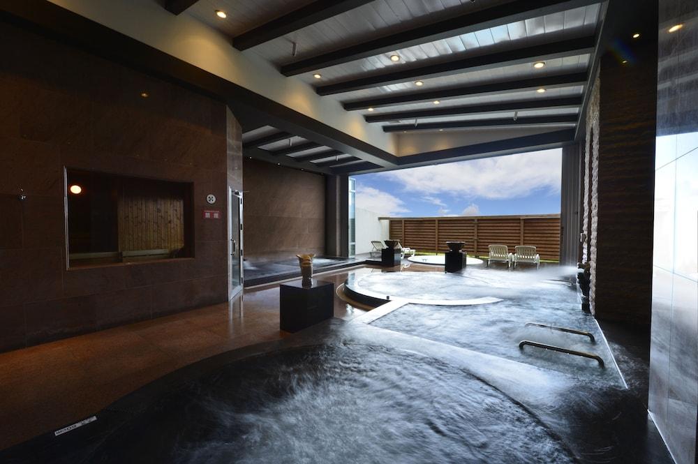 오키나와 매리어트 리조트 앤드 스파(Okinawa Marriott Resort & Spa) Hotel Image 86 - Indoor Spa Tub