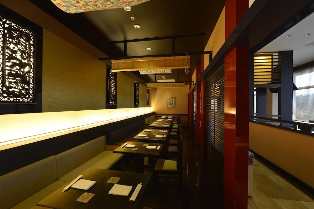 오키나와 매리어트 리조트 앤드 스파(Okinawa Marriott Resort & Spa) Hotel Image 133 - Restaurant