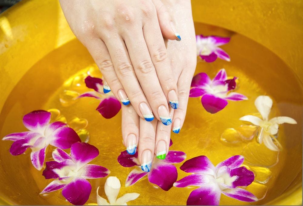 오키나와 매리어트 리조트 앤드 스파(Okinawa Marriott Resort & Spa) Hotel Image 96 - Nail Salon