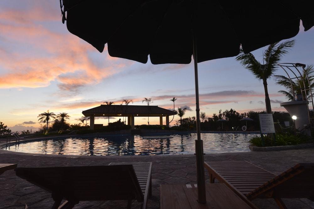 오키나와 매리어트 리조트 앤드 스파(Okinawa Marriott Resort & Spa) Hotel Image 37 - Outdoor Pool