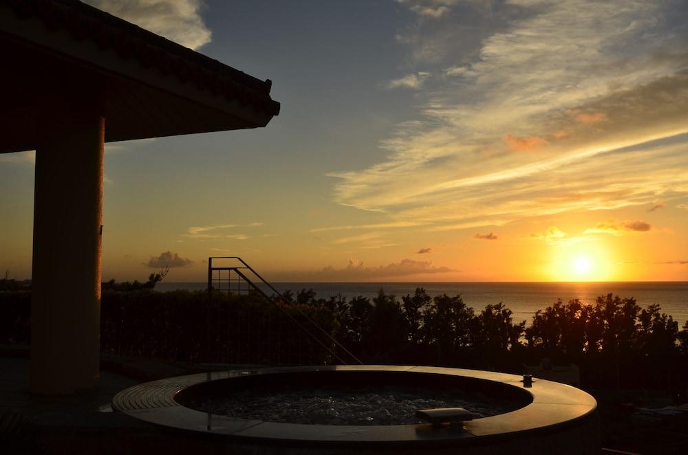 오키나와 매리어트 리조트 앤드 스파(Okinawa Marriott Resort & Spa) Hotel Image 67 - Outdoor Pool