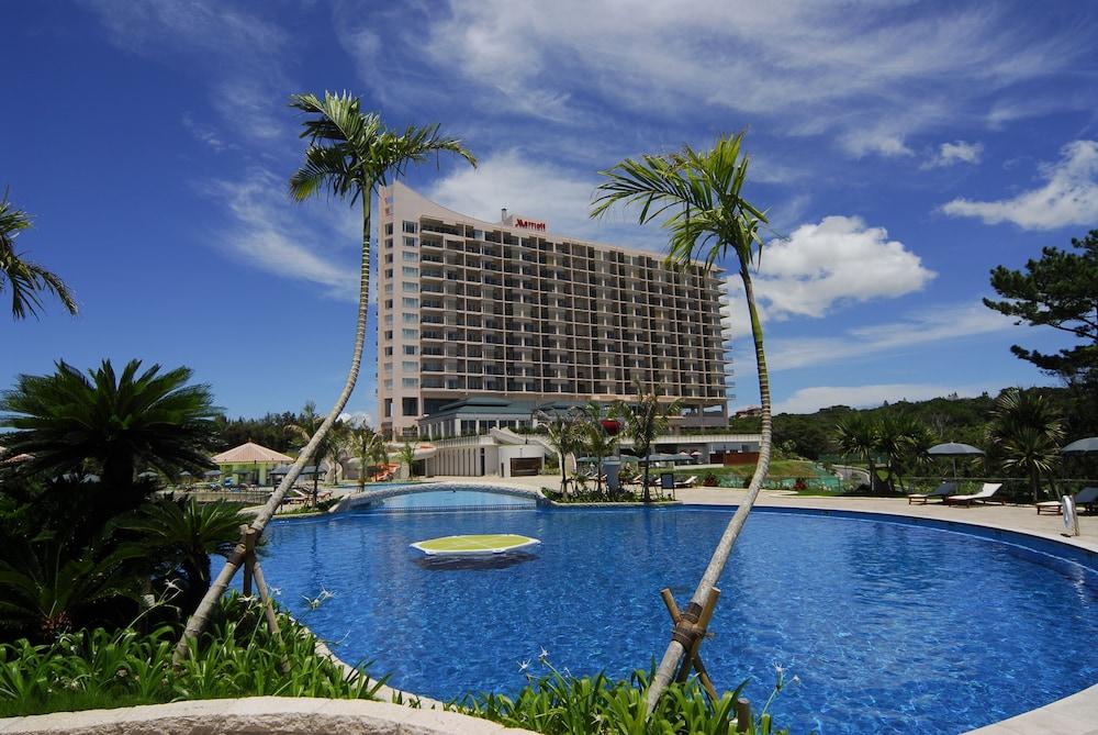 오키나와 매리어트 리조트 앤드 스파(Okinawa Marriott Resort & Spa) Hotel Image 35 - Outdoor Pool