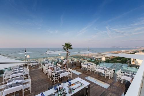 __{offers.Best_flights}__ Hotel Lungomare