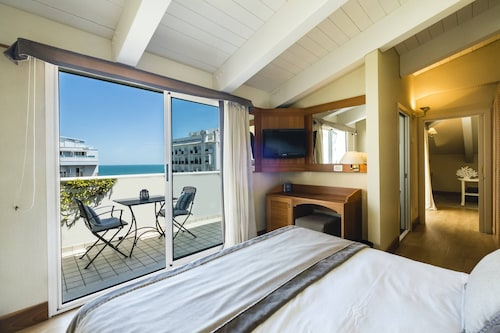 __{offers.Best_flights}__ Suite Hotel Maestrale