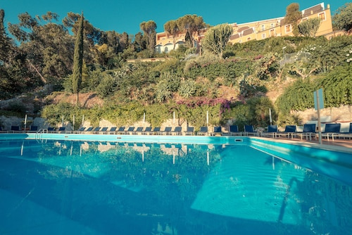 . Grand Hotel Miramare