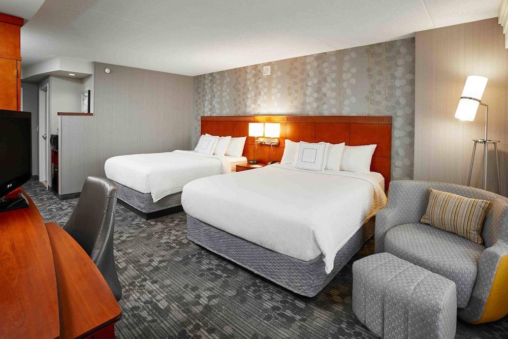 코트야드 바이 메리어트 토론토 브램턴(Courtyard by Marriott Toronto Brampton) Hotel Image 3 - Guestroom