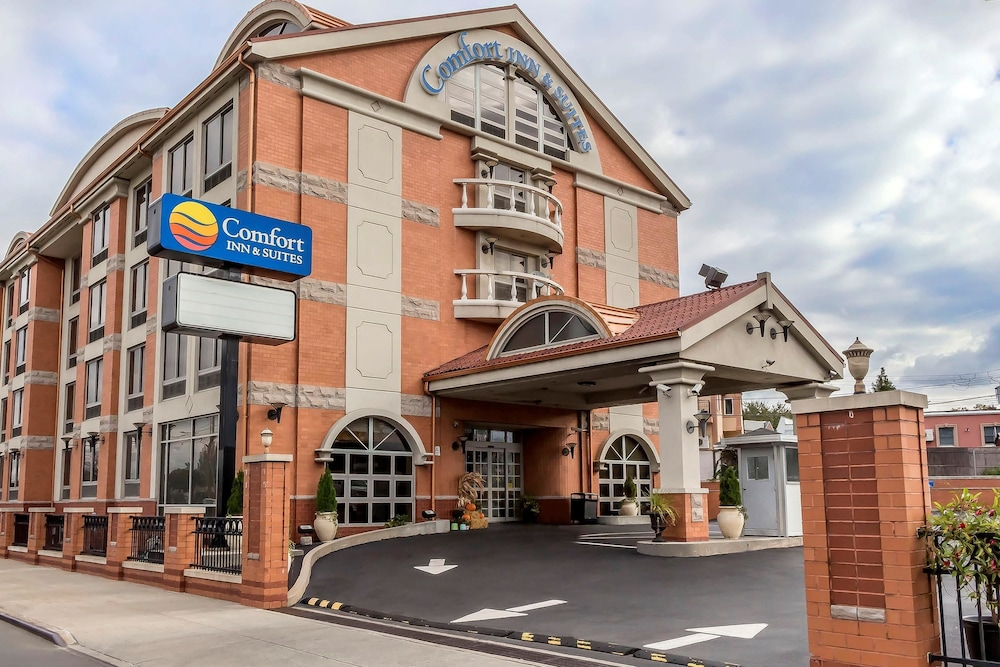 컴포트 인 & 스위트 라과디어 에어포트(Comfort Inn & Suites LaGuardia Airport) Hotel Image 42 - Exterior