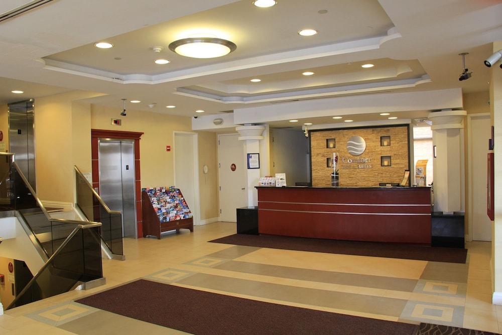 컴포트 인 & 스위트 라과디어 에어포트(Comfort Inn & Suites LaGuardia Airport) Hotel Image 4 - Reception