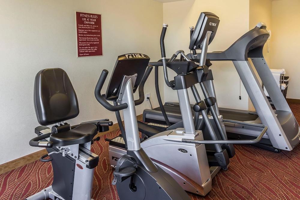 컴포트 인 & 스위트 라과디어 에어포트(Comfort Inn & Suites LaGuardia Airport) Hotel Image 36 - Fitness Facility