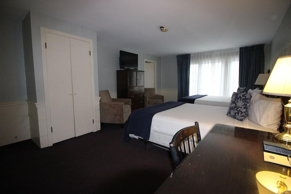 더 인 앳 미스틱(The Inn at Mystic) Hotel Image 12 - Guestroom