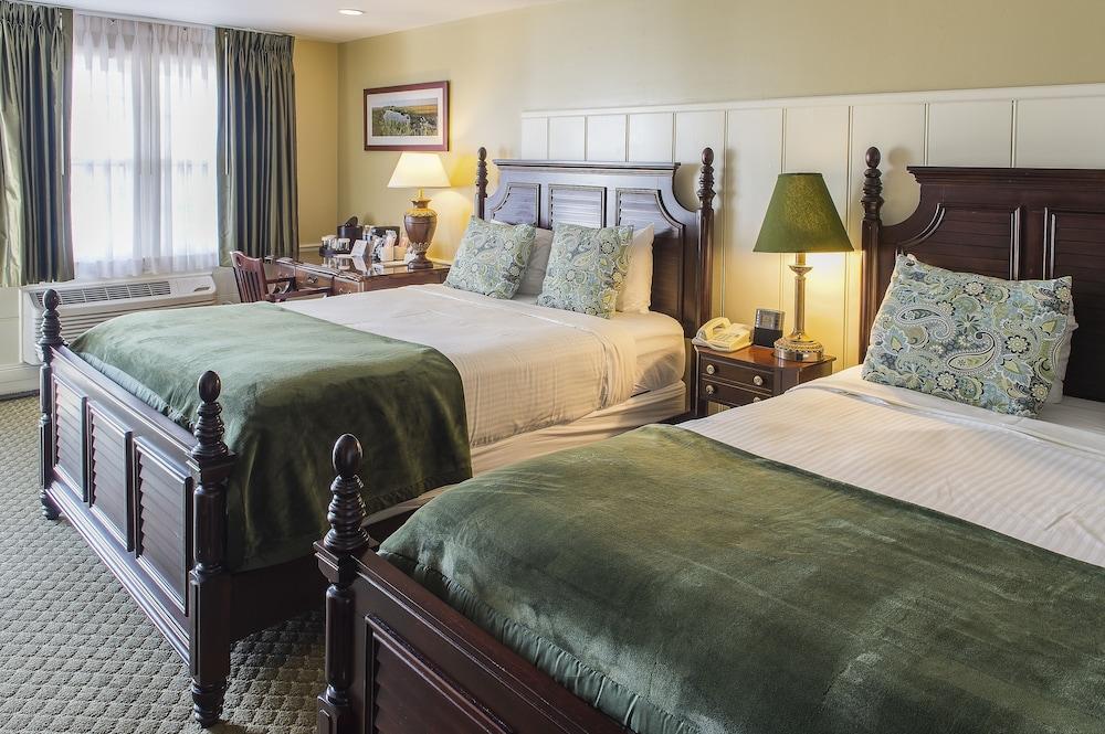 더 인 앳 미스틱(The Inn at Mystic) Hotel Image 8 - Guestroom