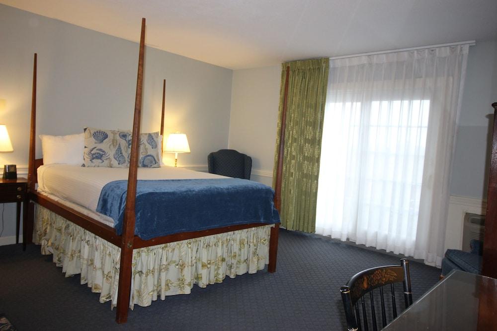 더 인 앳 미스틱(The Inn at Mystic) Hotel Image 6 - Guestroom