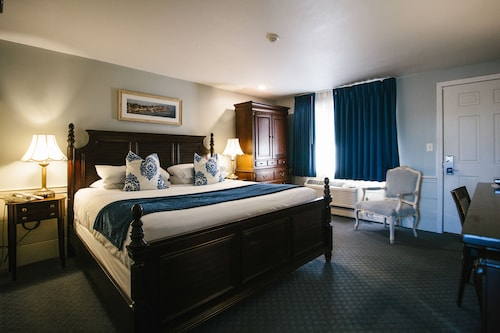 . The Inn at Mystic