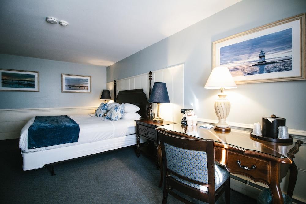 더 인 앳 미스틱(The Inn at Mystic) Hotel Image 17 - Guestroom