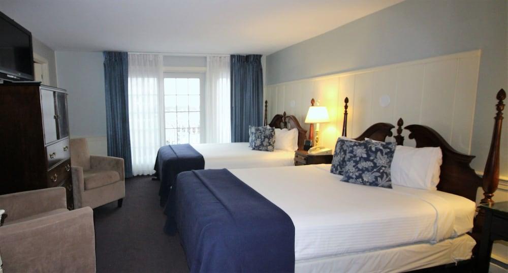 더 인 앳 미스틱(The Inn at Mystic) Hotel Image 14 - Guestroom