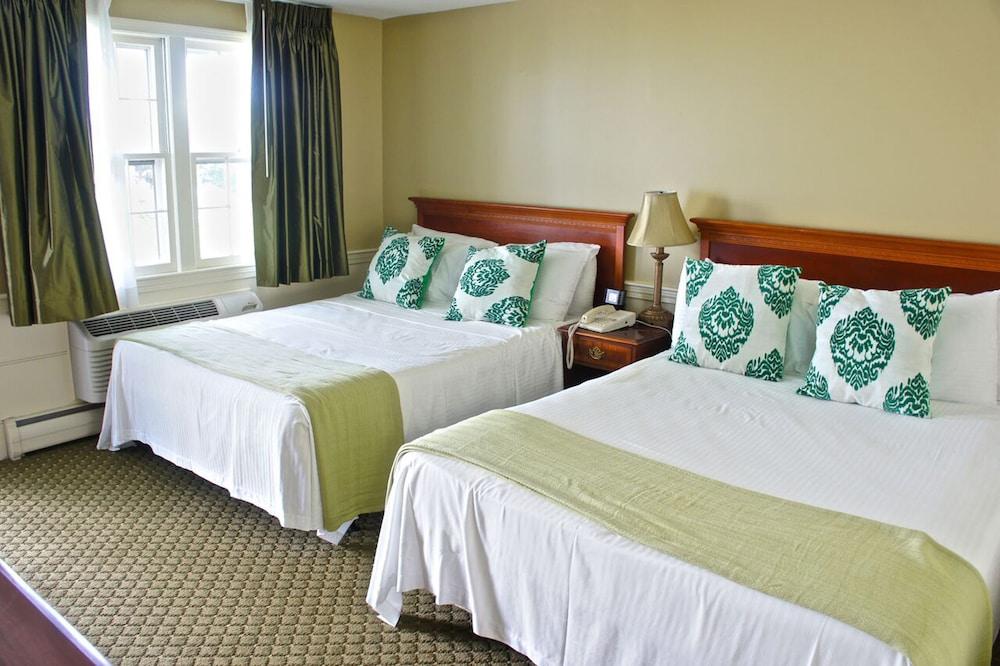 더 인 앳 미스틱(The Inn at Mystic) Hotel Image 5 - Guestroom