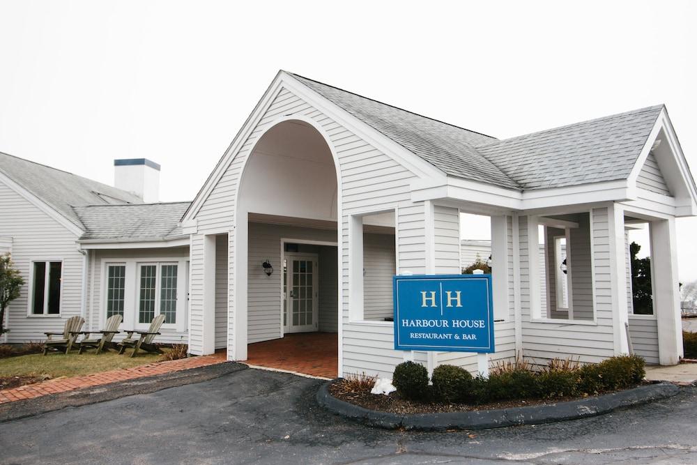 더 인 앳 미스틱(The Inn at Mystic) Hotel Image 46 - Hotel Front