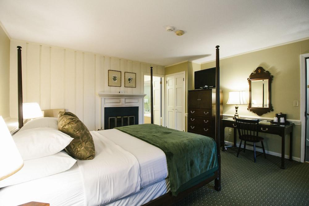 더 인 앳 미스틱(The Inn at Mystic) Hotel Image 24 - Guestroom