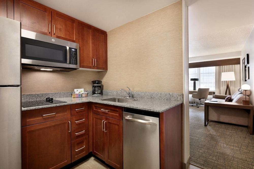 레지던스 인 바이 메리어트 볼티모어 이너 하버(Residence Inn by Marriott Baltimore Inner Harbor) Hotel Image 20 - In-Room Kitchen