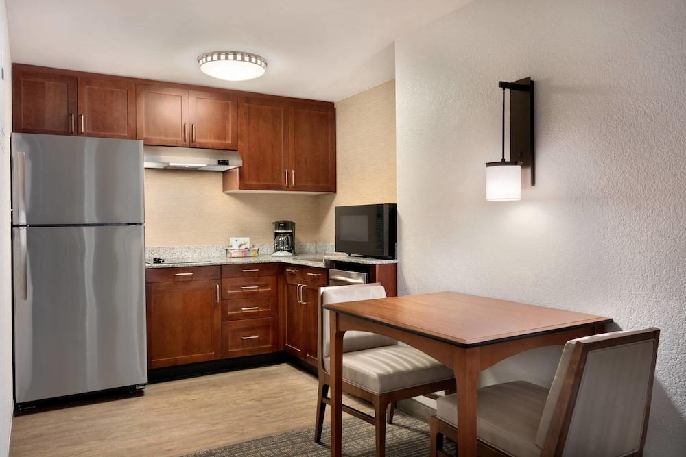 레지던스 인 바이 메리어트 볼티모어 이너 하버(Residence Inn by Marriott Baltimore Inner Harbor) Hotel Image 22 - In-Room Kitchen
