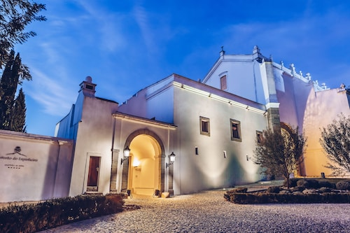 Convento do Espinheiro, Historic Hotel & Spa, Évora