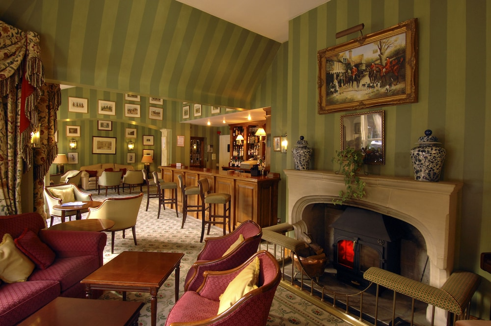 코츠월드 로지 호텔(Cotswold Lodge Hotel) Hotel Image 37 - Hotel Bar