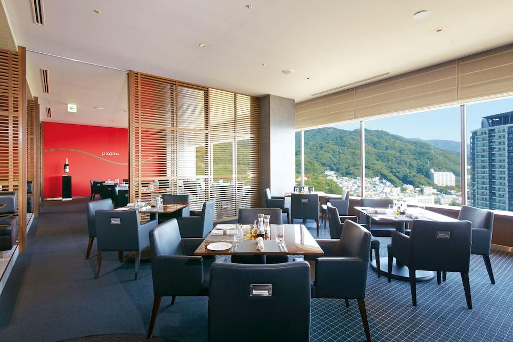 크라운 플라자 ANA 고베(Crowne Plaza ANA Kobe) Hotel Image 42 - Restaurant