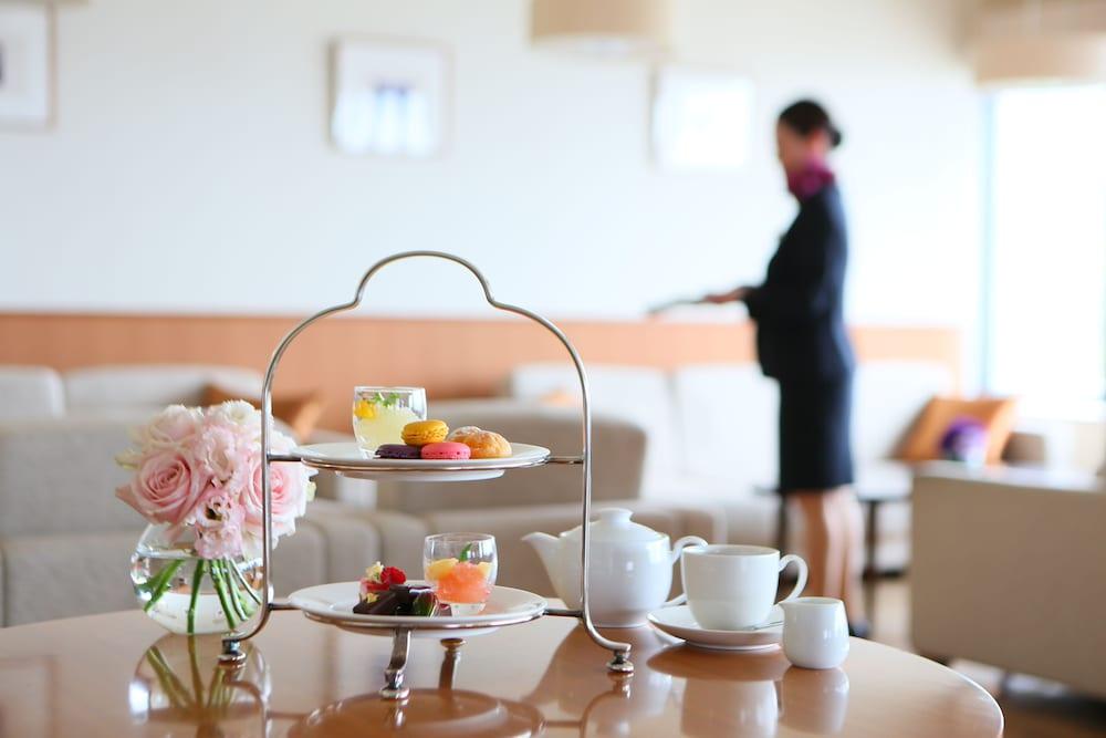 크라운 플라자 ANA 고베(Crowne Plaza ANA Kobe) Hotel Image 72 - Executive Lounge