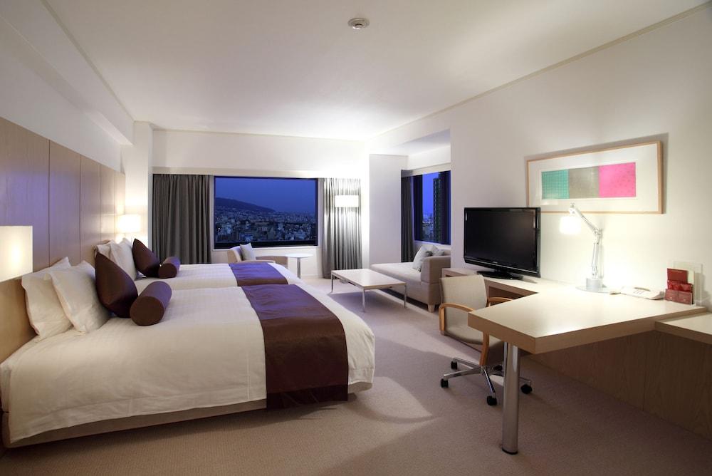 크라운 플라자 ANA 고베(Crowne Plaza ANA Kobe) Hotel Image 19 - Guestroom