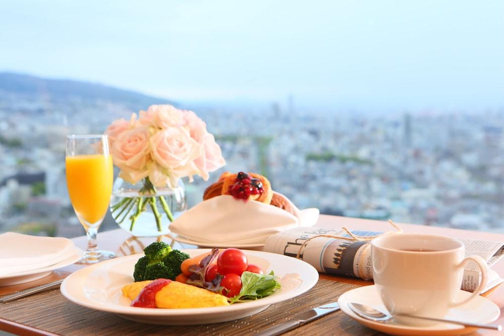 크라운 플라자 ANA 고베(Crowne Plaza ANA Kobe) Hotel Image 44 - Breakfast Area
