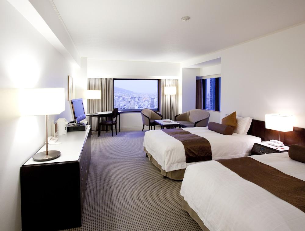 크라운 플라자 ANA 고베(Crowne Plaza ANA Kobe) Hotel Image 20 - Guestroom