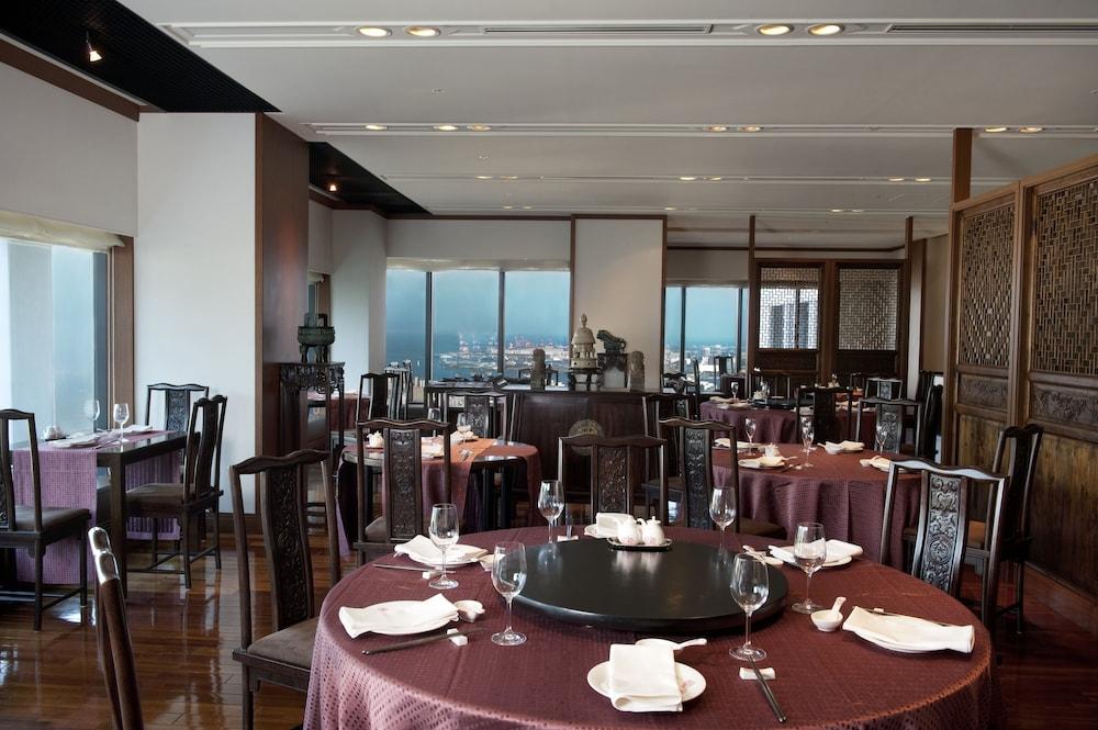 크라운 플라자 ANA 고베(Crowne Plaza ANA Kobe) Hotel Image 48 - Restaurant