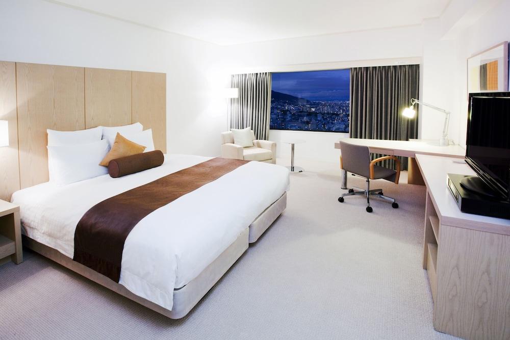 크라운 플라자 ANA 고베(Crowne Plaza ANA Kobe) Hotel Image 24 - Guestroom