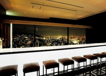 CROWNE PLAZA ANA KOBE Bar