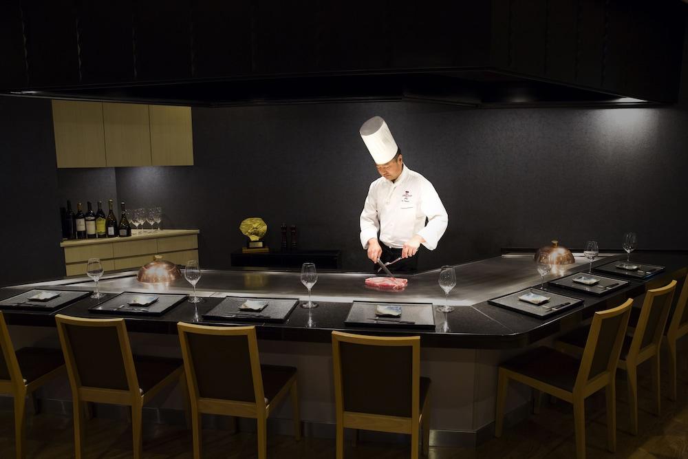 크라운 플라자 ANA 고베(Crowne Plaza ANA Kobe) Hotel Image 57 - Restaurant