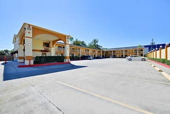 Hotel - Americas Best Value Inn Houston at I-45 & Loop 610