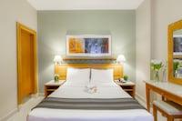 One Bedroom Suite Golden Sands 3