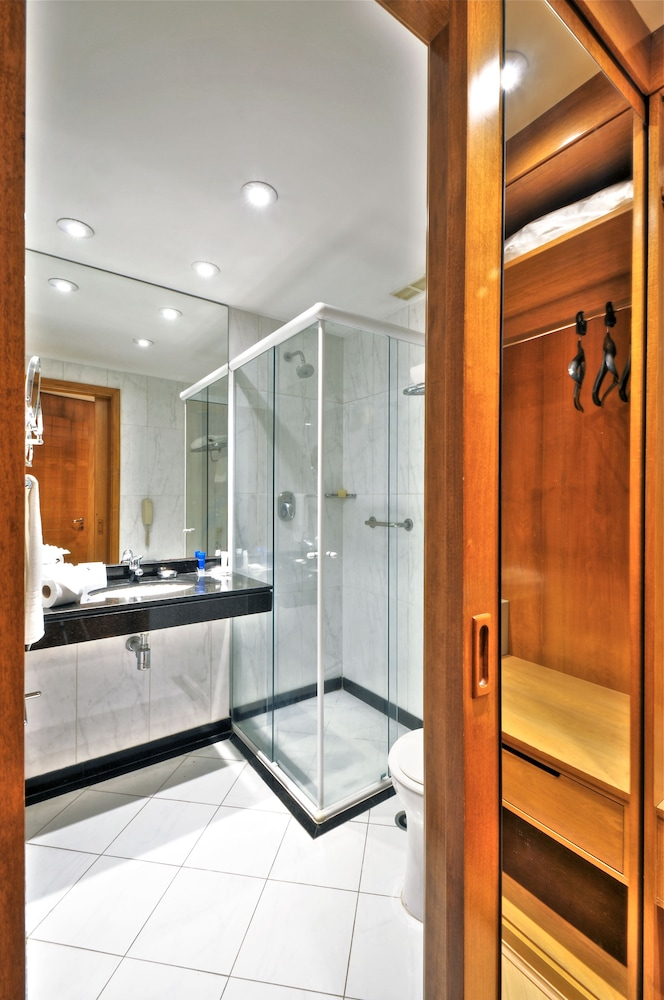 트랜스아메리카 이그제큐티브 파울리스타(Transamerica Executive Paulista) Hotel Image 40 - Bathroom