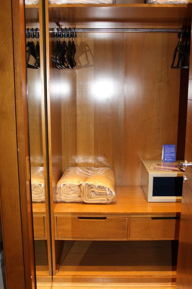 트랜스아메리카 이그제큐티브 파울리스타(Transamerica Executive Paulista) Hotel Image 38 - In-Room Safe