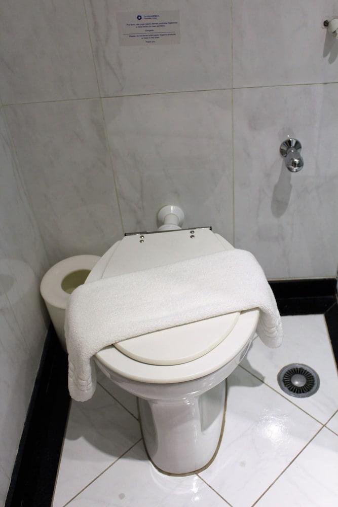 트랜스아메리카 이그제큐티브 파울리스타(Transamerica Executive Paulista) Hotel Image 43 - Bathroom