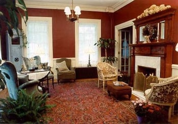 Hotel - Pillsbury House Bed & Breakfast