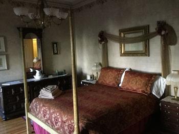 Suite (Victorian room)