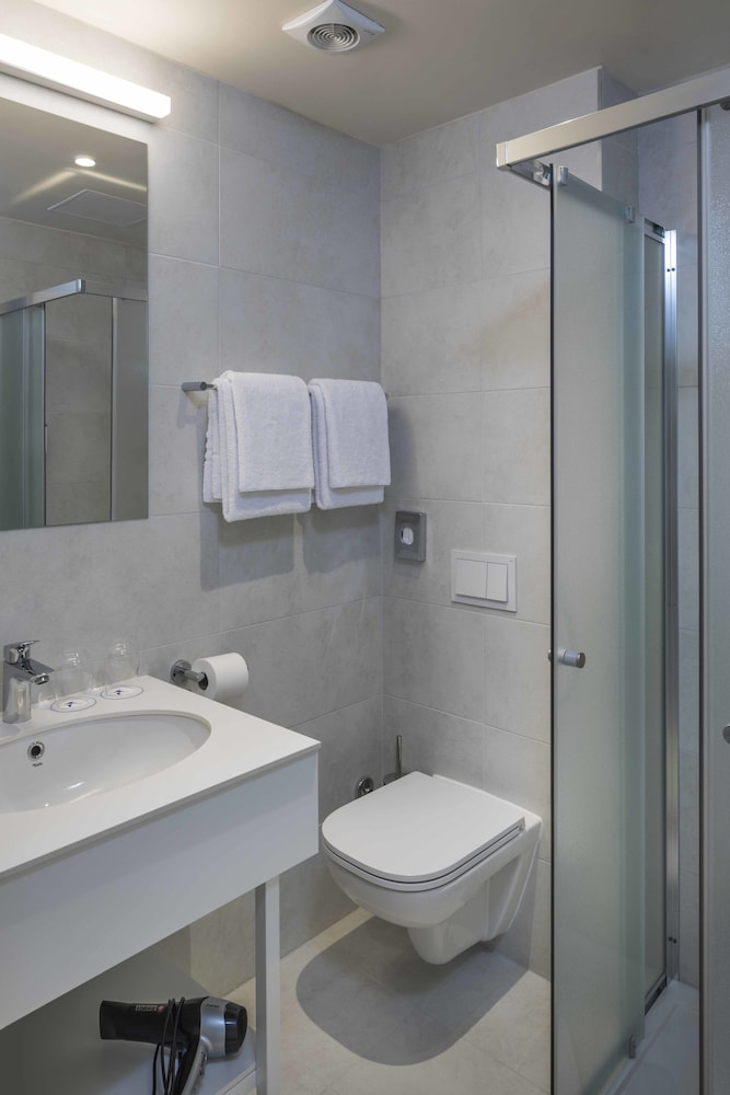팔켄스타이너 호텔 파크 푸나트 - 올 인클루시브(Falkensteiner Hotel Park Punat - All Inclusive) Hotel Image 21 - Bathroom