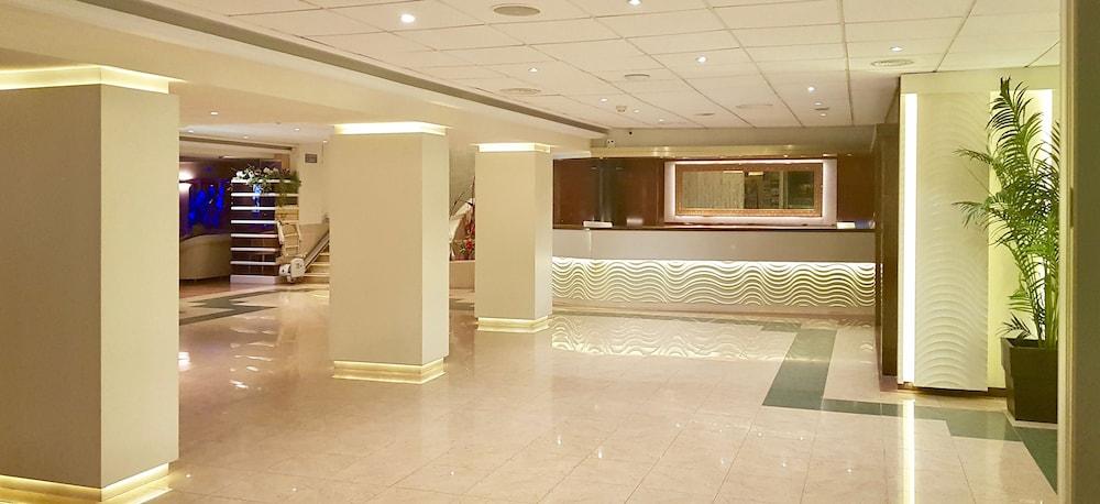 피마르 호텔(Hotel Pi-Mar) Hotel Image 1 - Lobby