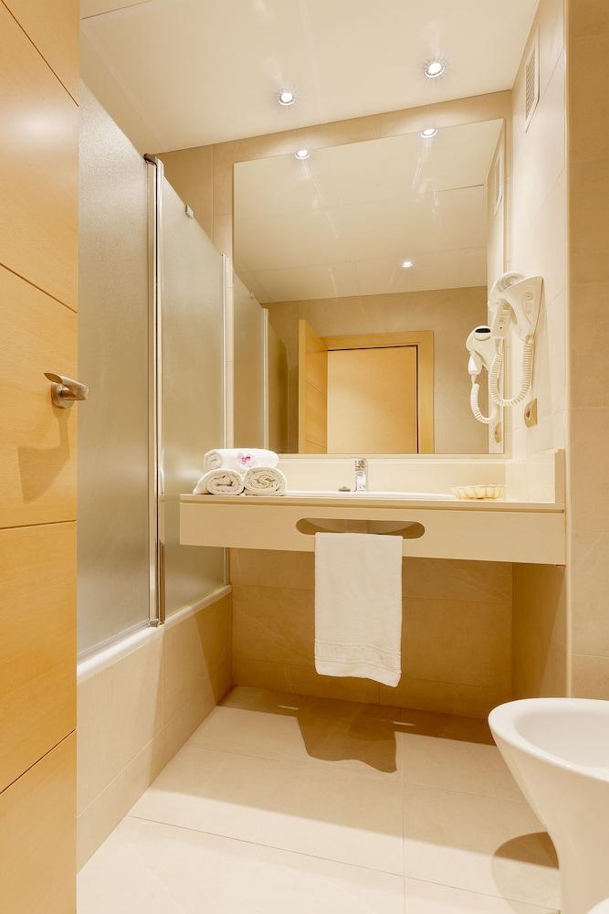피마르 호텔(Hotel Pi-Mar) Hotel Image 19 - Bathroom Sink