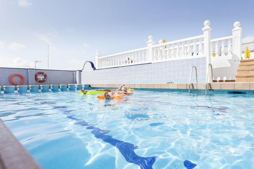 피마르 호텔(Hotel Pi-Mar) Hotel Image 21 - Outdoor Pool