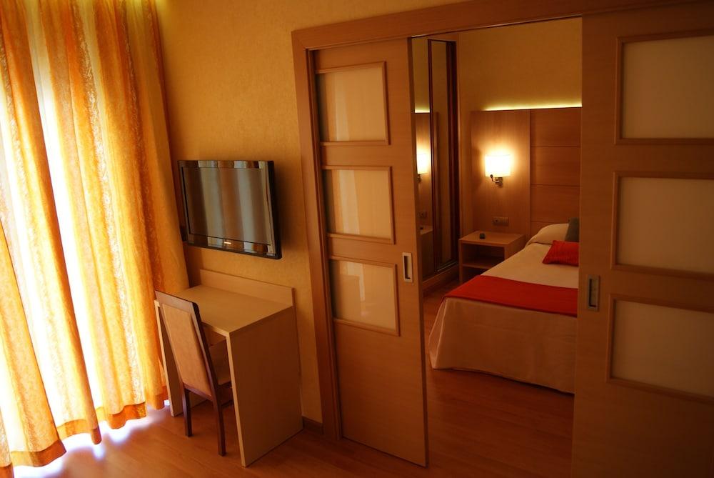 피마르 호텔(Hotel Pi-Mar) Hotel Image 14 - Guestroom