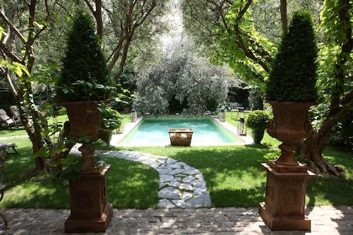 . Hôtel Jardins Secrets