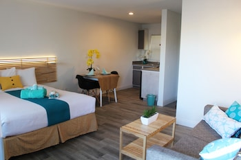 Suite, 1 Queen Bed with Sofa bed, Kitchenette